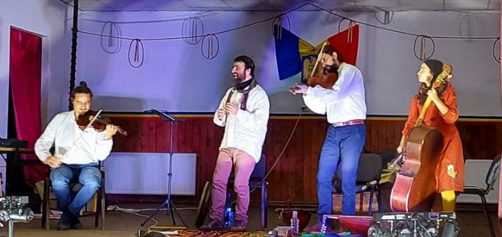 Trupa Trei Parale din Bucuresti, in concert